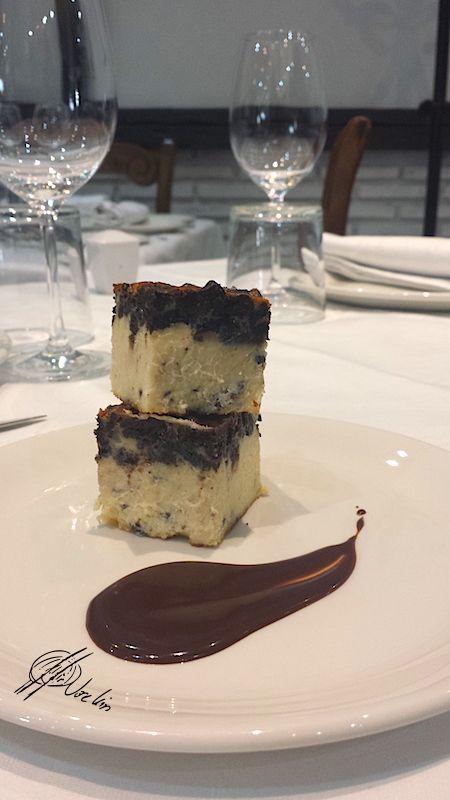 Tarta de chocolate blanco con galletas Oreo