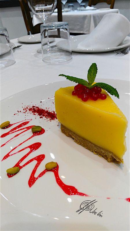 Bavarois de limón con caramelo de piruleta