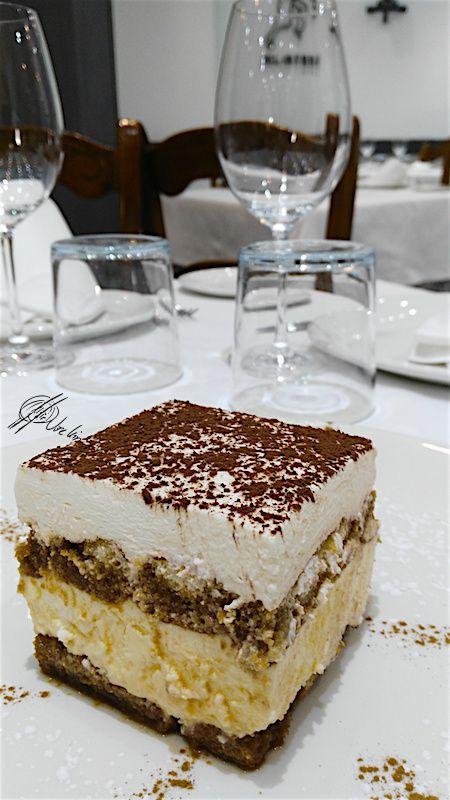 Tiramisu de chocolate blanco con bizcocho de chocolate puro