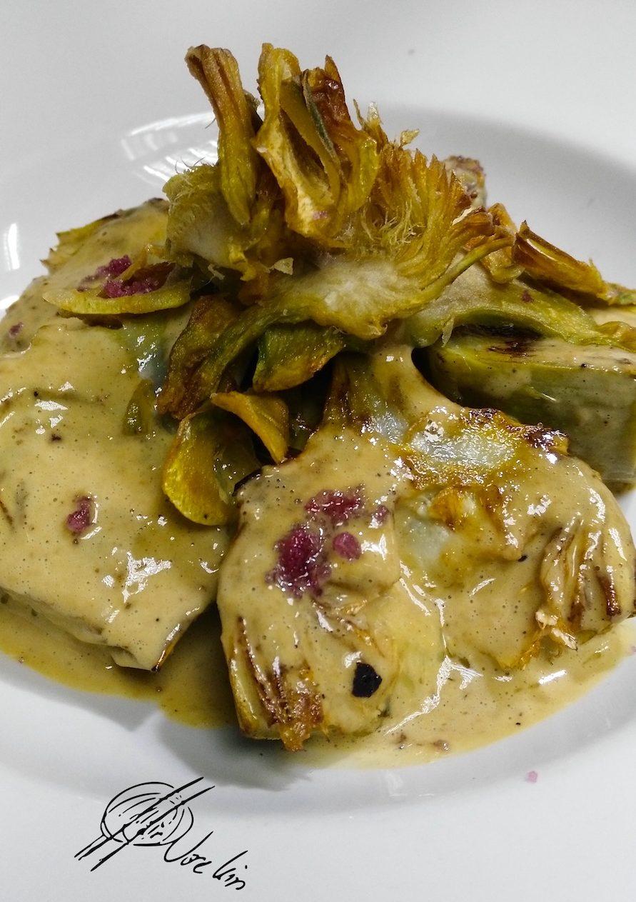 Alcachofas con chantilly de foie