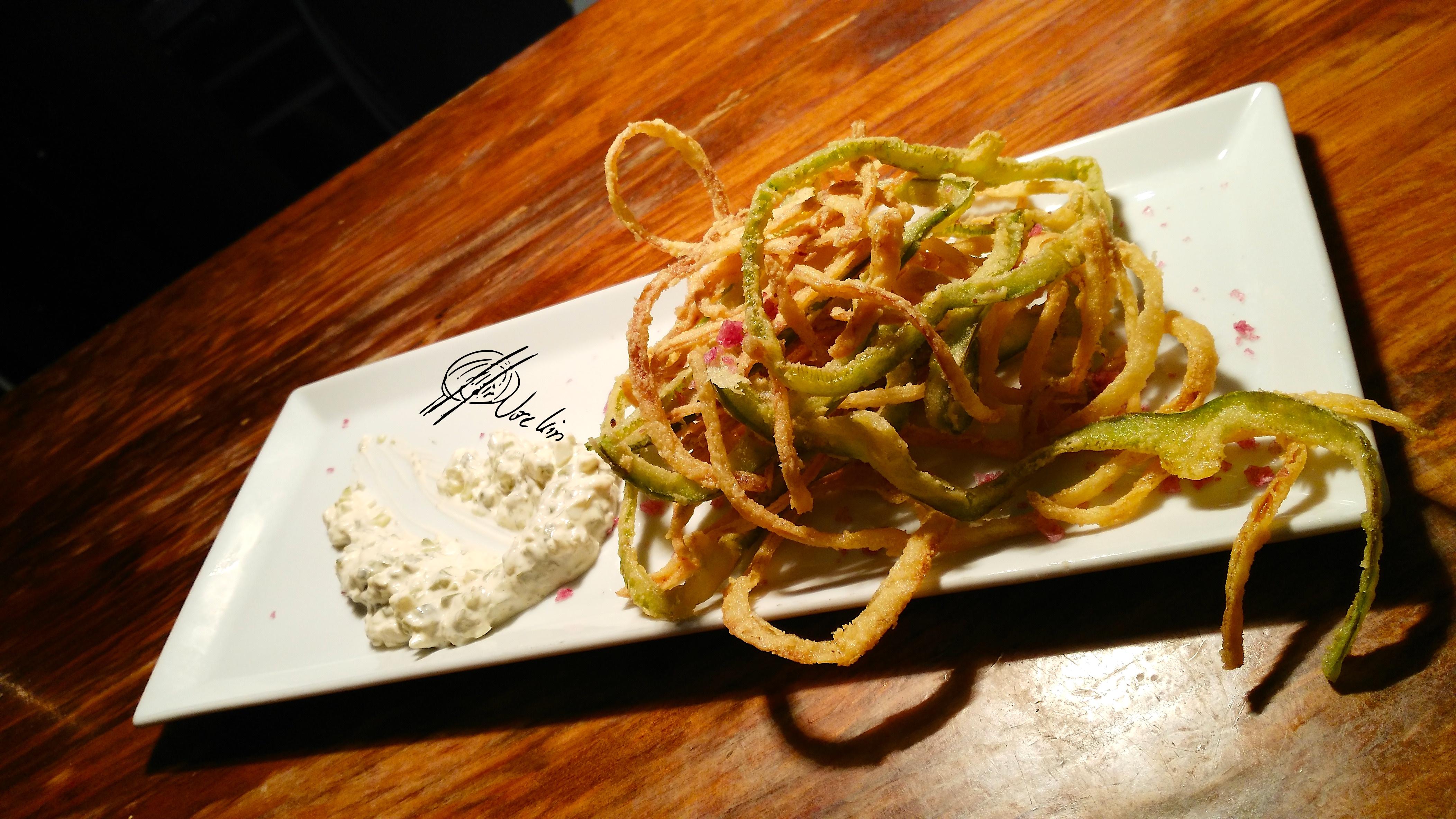 Calamares de campo con salsa Tzatziki
