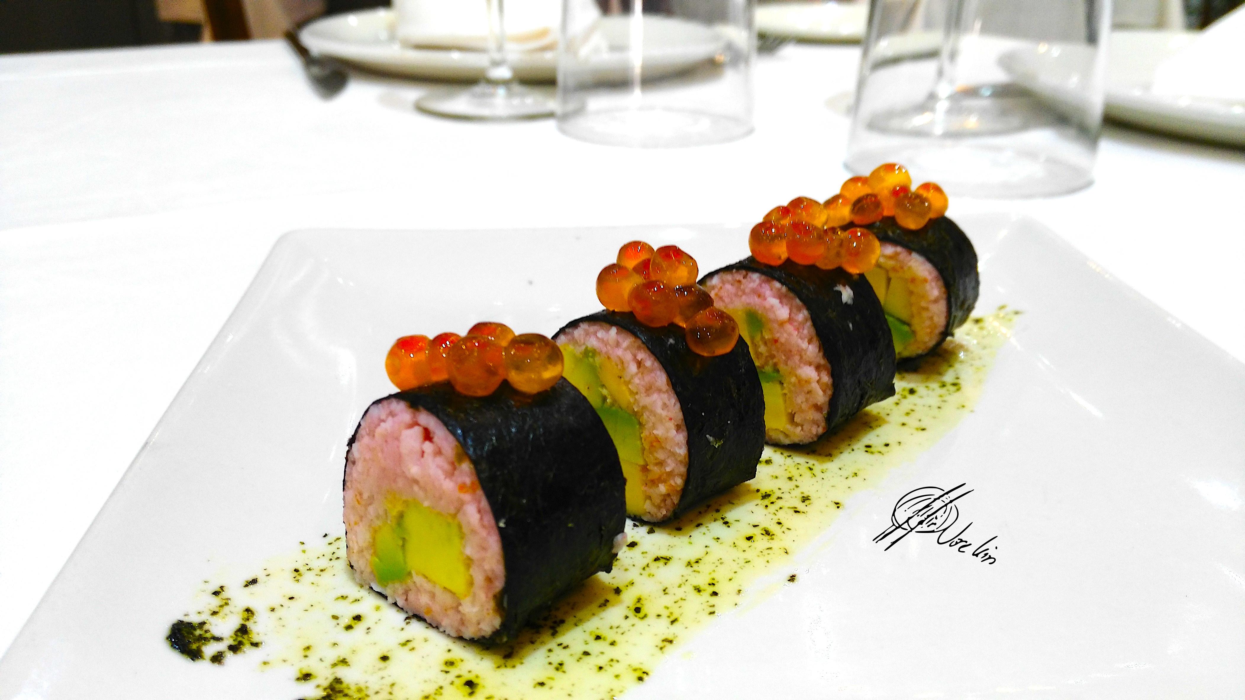 sushi maki de mousse de salmón