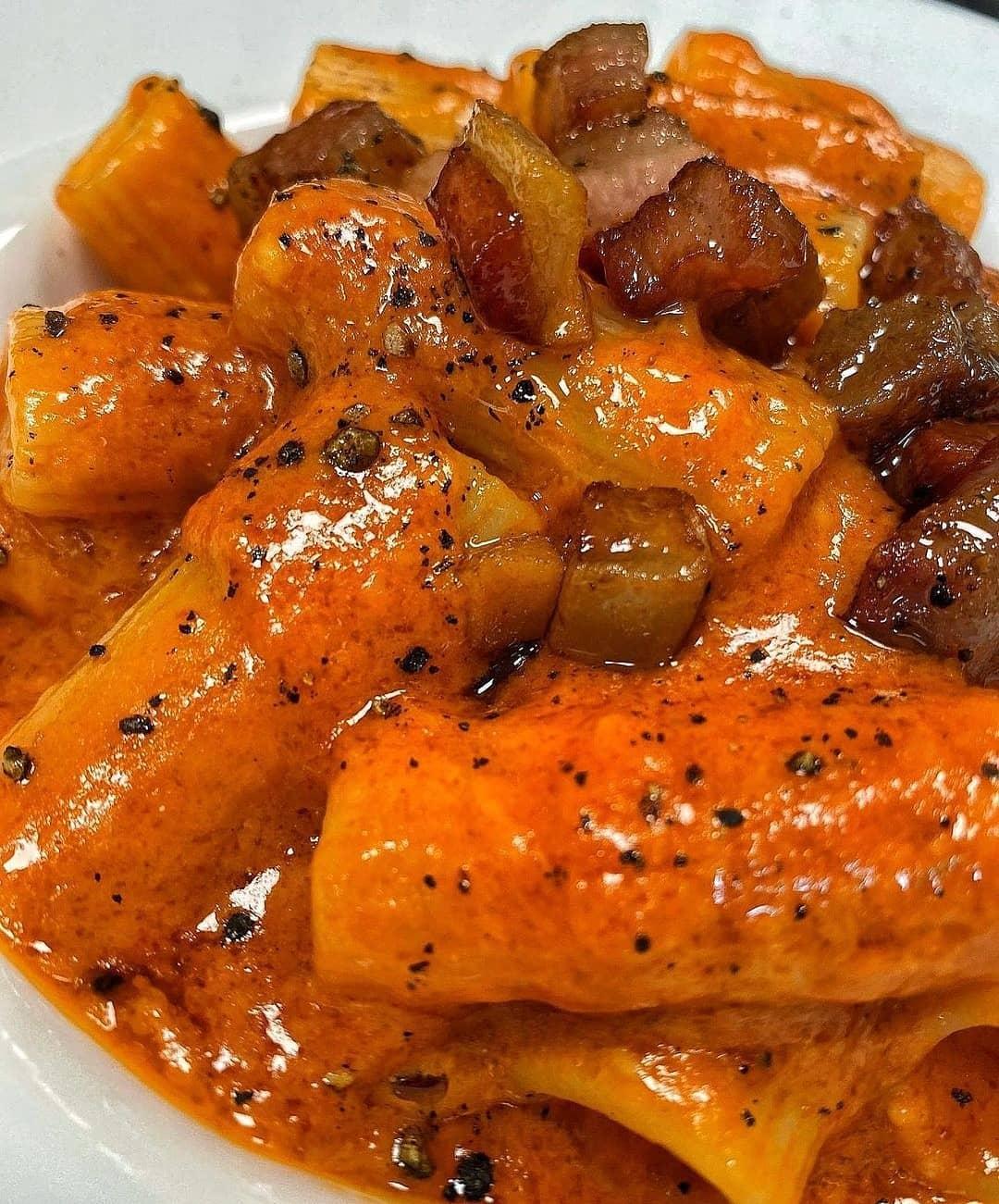 Salsa Arrabiata para pasta fresca con guanciale